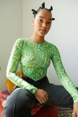 UO Green Swirl Print Hanky Hem Long Sleeve Top - Green 7 at Urban Outfitters