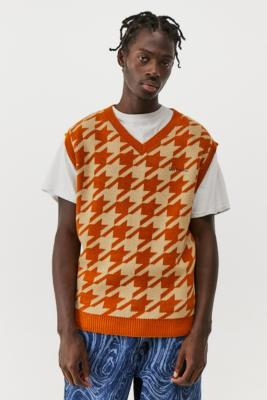 iets frans. Rust Houndstooth Knitted Vest - Brown L at Urban Outfitters